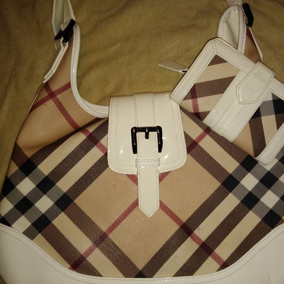 Burberry Handbags - Burberry purse and wallet